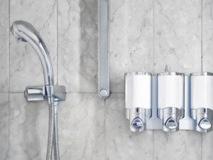 シャワー付き浴槽